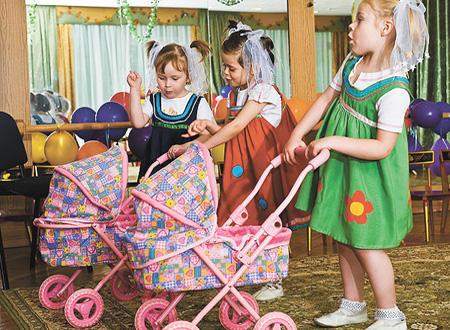 Ролевая игра – это первая возможность ребенка познакомиться с различными социальными нормами