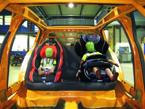 Краш-тесты детских автомобильных кресел