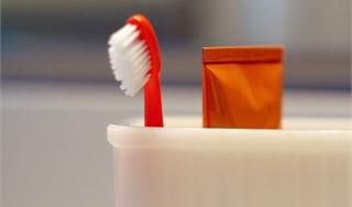 Выбираем зубную пасту и щетку для ребенка