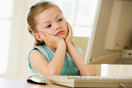 При длительном пребывании в Интернете человек перестает замечать прелесть реальной жизни