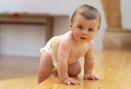 Чем больше времени родители уделяют массажу, плаванию, физкультуре, динамической гимнастике — тем быстрее идет формирование и созревание коры головного мозга. И тем выше будут интеллектуальные показатели ребенка.