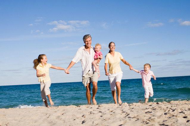 социально-политическая, экономическая стабильность в обществе является предпосылкой материального благополучия и благоприятного для развития ребенка морального, психологического климата в семье