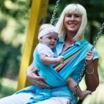 Как носить в слинге новорожденного