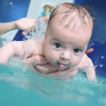 Плавание для грудничка