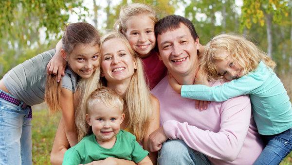 В многодетных семьях дети быстрее приобретают бытовые навыки
