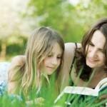 Совместное с родителями чтение книг помогает социализации детей