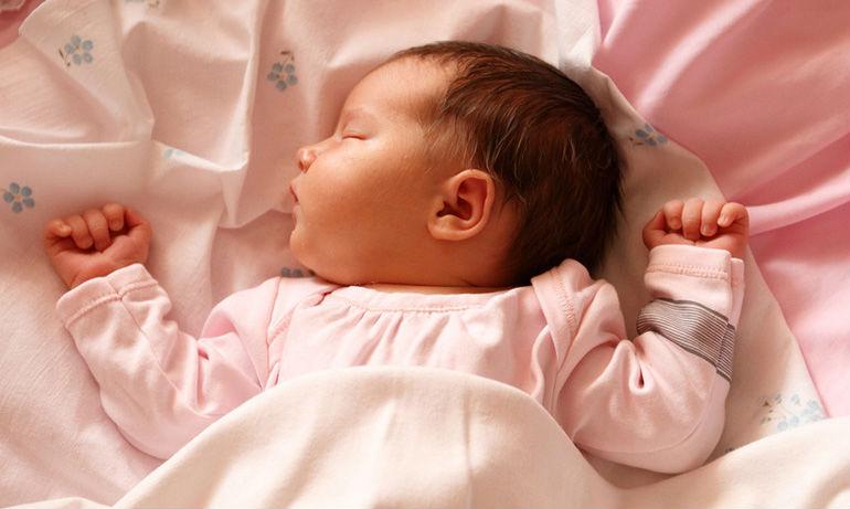 Развитие малыша. Первый месяц ребенка.