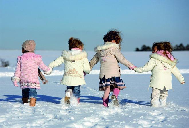 Детская косметика для зимы: как выбрать, как хранить, как использовать