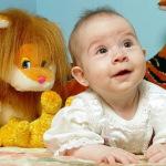 Какие игрушки полезны для детей в возрасте до года