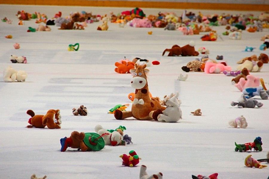 Чем больше в доме игрушек, тем несчастнее становятся дети
