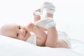 Как играть с новорожденными