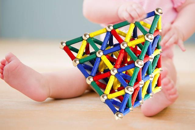 В детских игрушках запретят использовать мелкие и мощные магниты