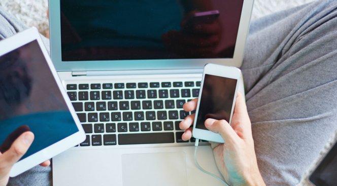 Все больше детей становится интернет-зависимыми из-за родителей