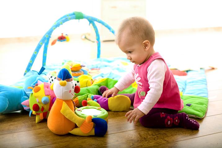 Какие игрушки необходимы годовалому ребенку