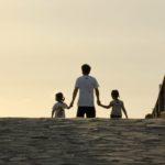 Писатель: Российское общество разделилось в вопросе воспитания детей