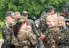 ВЦИОМ: профессии медика и военного становятся для россиян самыми привлекательными