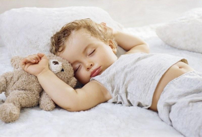Тихий час: почему ребенку нужен дневной сон