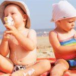 Как вести себя на пляже с ребенком