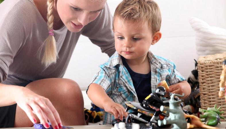 Родители выступают против института государственных нянь