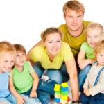 В Минтруде рассказали, какую поддержку могут получить многодетные родители