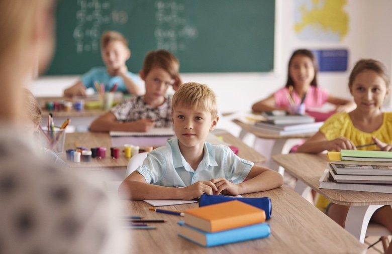 В массовой общеобразовательной школе