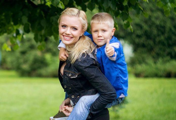 В Москве действует социальная программа, в которой происходят выплаты на детей матерям-одиночкам в 2018 году