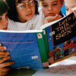 Зачем детей в Европе обучают истории ЛГБТ