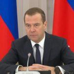 Медведев обещает инвестиции в детский и юношеский спорт