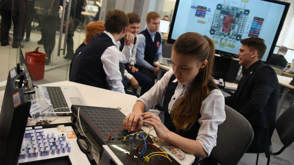Школьники станут программистами