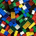 Lego перейдет на онлайн-модель торговли из-за закрытия магазинов игрушек
