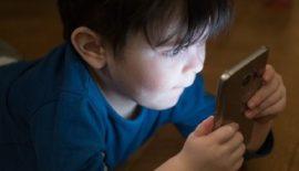 Зависимость от экрана разрушает поколение детей