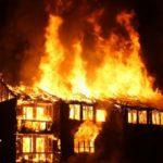 Помощь погорельцам: кто может получить компенсацию при пожаре